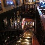 ハードロックカフェ - 階段も凄く良い雰囲気