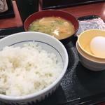 Nakau - 玉子豚汁定食330円