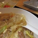 BOUNO参丁目 -        酸辣湯の酸味豊かな辛みのあるスープに春雨が入ってボリュームたっぷり。              ご飯もセットになってたんで会議を前にお腹が一杯になってしまいました。