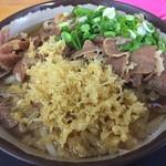 桜製麺 - 人気の肉うどん ひやあつ。