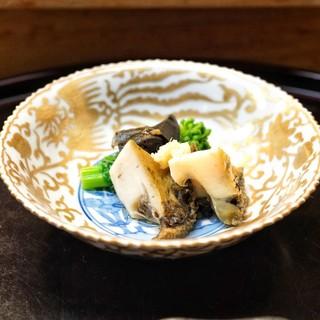 つる由 - 料理写真:☆蒸し鮑と肝
