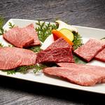焼肉チャンピオン - 希少部位を食べ比べるならコースがおススメです。