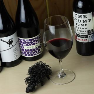 豪州ビールやワインがズラリ!種類豊富な和洋酒◎