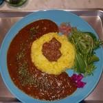 カリーショップ ジュナイナ - 本当に丁寧な一皿
