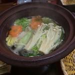 庵 - 鍋に鴨をくぐらせて頂きました。 その後に…蕎麦をくぐらせて頂きました。