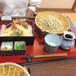 庵 - 妻のカニ天重とざる蕎麦1280円 カニ好きは此れでしょう。(^^)