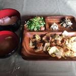 びすとろトーイトコ - 厳選イノシシ肉の野菜炒め