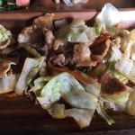 びすとろトーイトコ - イノシシ肉の野菜炒め