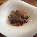 サレルーナ - 料理写真:茄子とキノコのトマト和えスパゲティ(フェリーチェランチ)