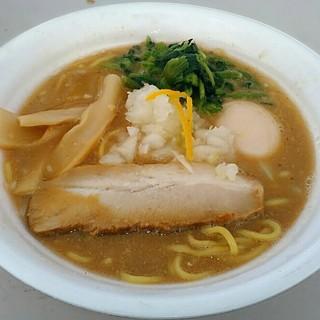 麺匠 佐蔵 - 料理写真:【濃厚魚介豚骨味噌らぅめん + 半熟煮玉子】¥800 + ¥100