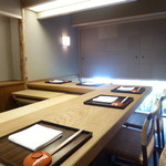 木山 - L字カウンター型の「個室」