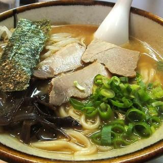 かじわら - 料理写真:ラーメン(しょうゆ) ¥500