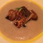 LA BONNE TABLE - 菊芋のスープ もの凄い鯖 小松菜