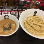 紋次郎 - つけ麺 大盛り