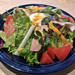 ポータル カフェ アキバ - お肉屋さんのサラダ(税別980円)