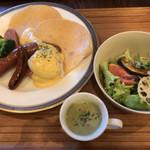 イエローテイル カフェ - 料理写真:ランチ ソルトパンケーキとソーセージ二種