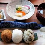 群言堂 - 料理写真:里山おむすび