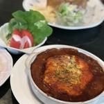 ぱんのみみ - チーズ焼きハンバーグ、ライスサラダ付き 1100円(税別)