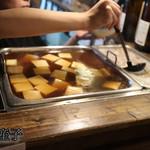 楽彩 - 豆腐と煮込み
