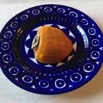銀座千疋屋 - フィンランドARABIA社の皿に載せて