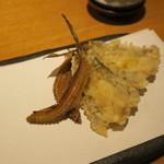 78030874 - 季節の天ぷら:ハゼ 野菜三品(蓮根 人参 南瓜)白子1