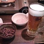 7804858 - お通しのごぼうと生ビール