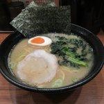 横浜らーめん 一本家 - ラーメン2017.12.12