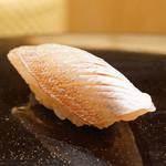 78042606 - 昆布〆の春子鯛