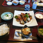 いっちょう - ゴロゴロ野菜とイカ団子の黒酢あん御膳