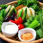 口福家 HANARE - 有機野菜の籠盛りサラダ