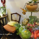 ディチョット - 入り口付近に野菜が売られてます。1つ130円でした。