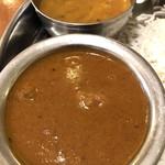 インド食堂 チチル&シシリ - 初回訪問ならばチキンカリー!