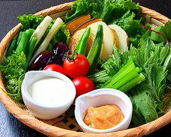 口福家 HANARE - 有機野菜の籠盛りサラダ 880円 熊本から直送 野菜は季節により変わります!