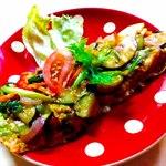 チャンドラ・スーリヤ - 放し飼いの鶏の卵のオムレツ
