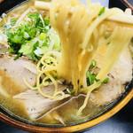 まるとみ食堂 - 甘めのスープ