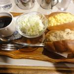名曲・珈琲 新宿 らんぶる - 卵とツナのサンドセット