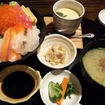 78076495 - 極み海鮮丼1800円(税込み)