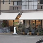 WAGYU AND RACLETTE NIGIRO - 料理の鉄人に出演した坂井謙介さんのプロデュースしたイタリアンダイニングです。