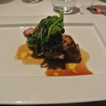 リストランテ カノフィーロ - チンタセネーゼ豚 肩ロース肉のグリーリア 札幌黄とマルサラのソース