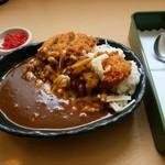 ユトリ珈琲店 - 料理写真:「チーズヒレカツカレー」