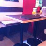 ジャンク カフェ トーキョー - テーブル