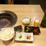 情熱焼肉ファイティングマン - 焼肉5種盛りランチ(¥1,300)