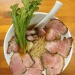 極汁美麺 umami - 濃厚鶏だし清湯醤油ら~めん・炭火焼チャーシュー増し