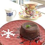 Cafe 笑壺 - ケーキセット(ホットチョコレートケーキ/紅茶)800円