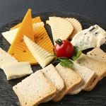 ■チーズ盛り合わせ(5種盛り合わせ)