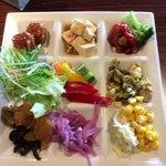ハカタ オノ - 野菜ビュフェから・・(ちょっとボケてます)