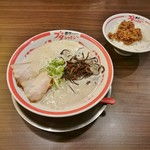 麺作ブタシャモジ - 豚ソバ620円+旨辛そぼろ丼100円