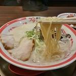麺作ブタシャモジ - バリカタ(豚ソバ)