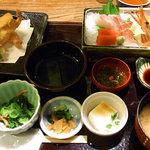 和食とお酒豆助 - 鯛めし上造り御膳。鯛めしは見切れてしまったので、次の写真で、、、(汗)