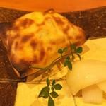 さか本 - 牛ほほ肉煮込みのクレープ包み焼き